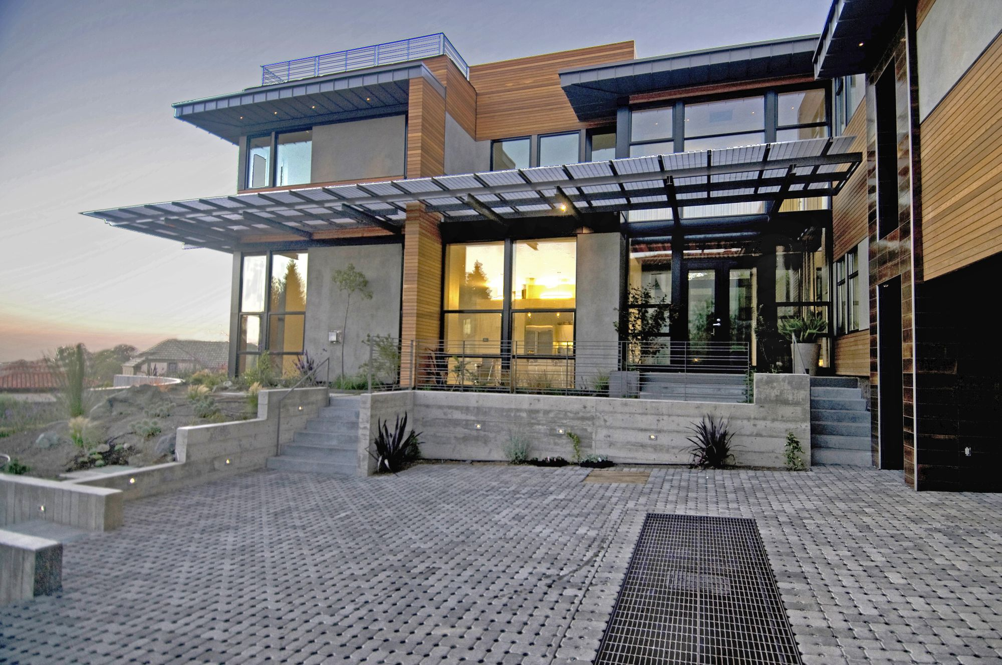 A home in California that utilizes McNICHOLS® Aluminum Bar Grating to create eco-friendly solutions