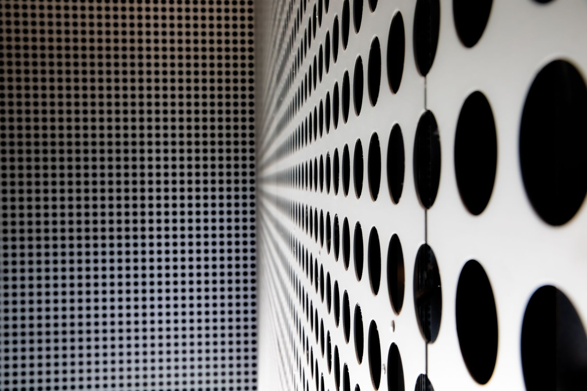 Perforated Metal panels openings lined up between panels | Tampa Museum of Art
